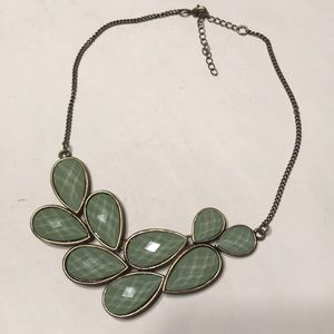 Jewelry - Green Leaves Necklace
